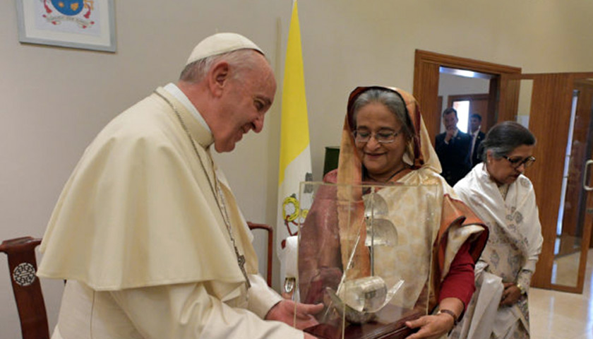 primera-ministra-banglades-reunion-papa-francisco